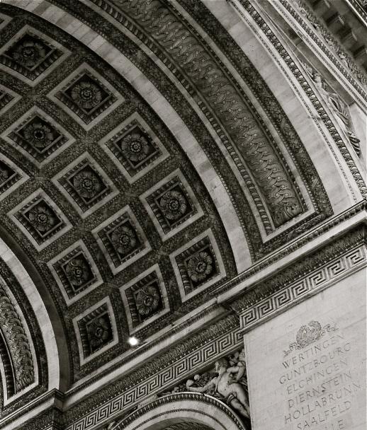 Arc deTriomphe, Paris, France Photo by: c.b.w. 2003