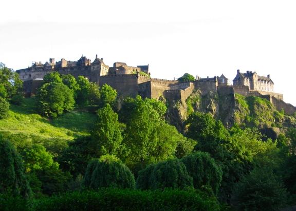 Edinburgh Castle, Scotland Photo by: c.b.w. 2005